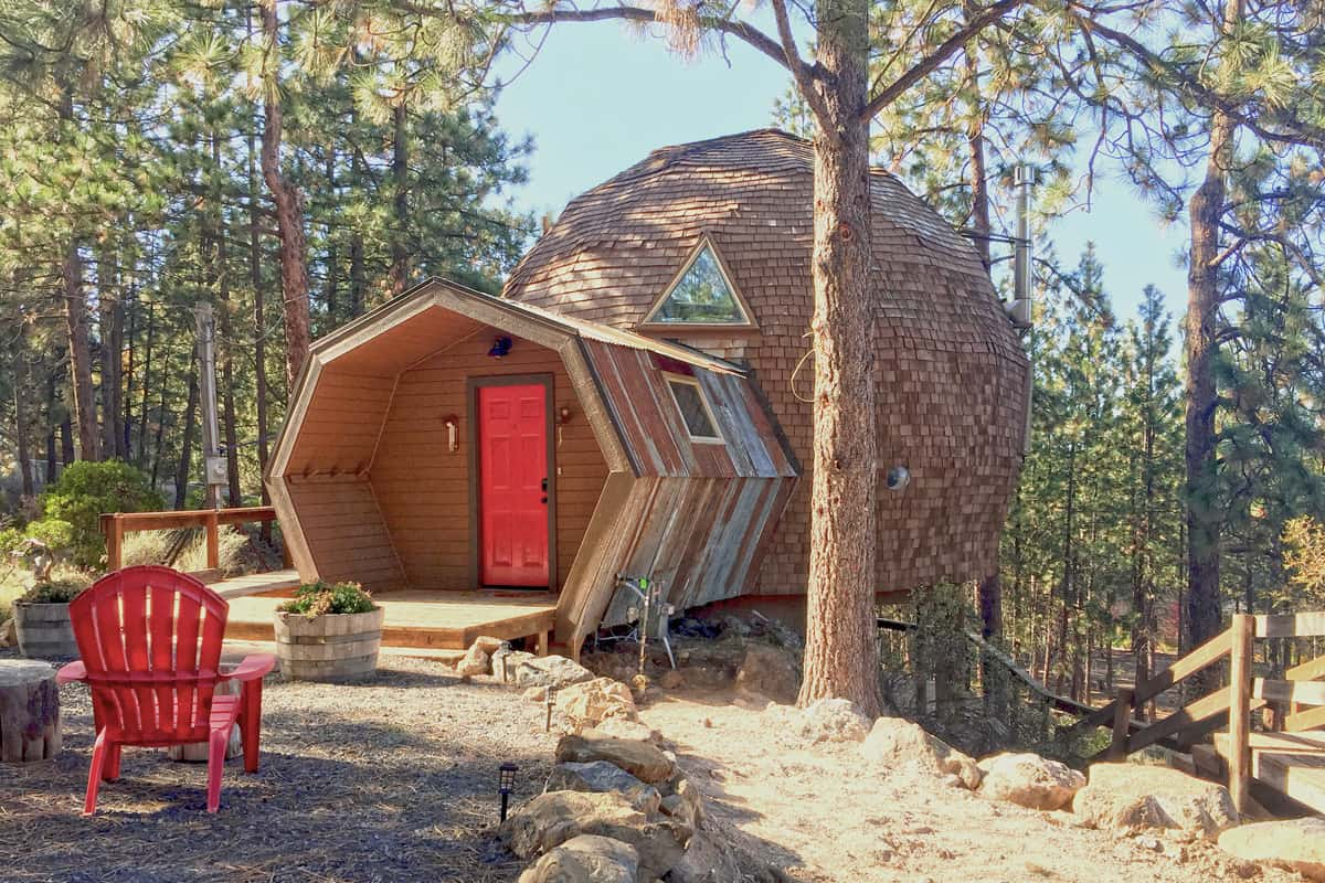 Geodesic Dome Glamping in Oregon