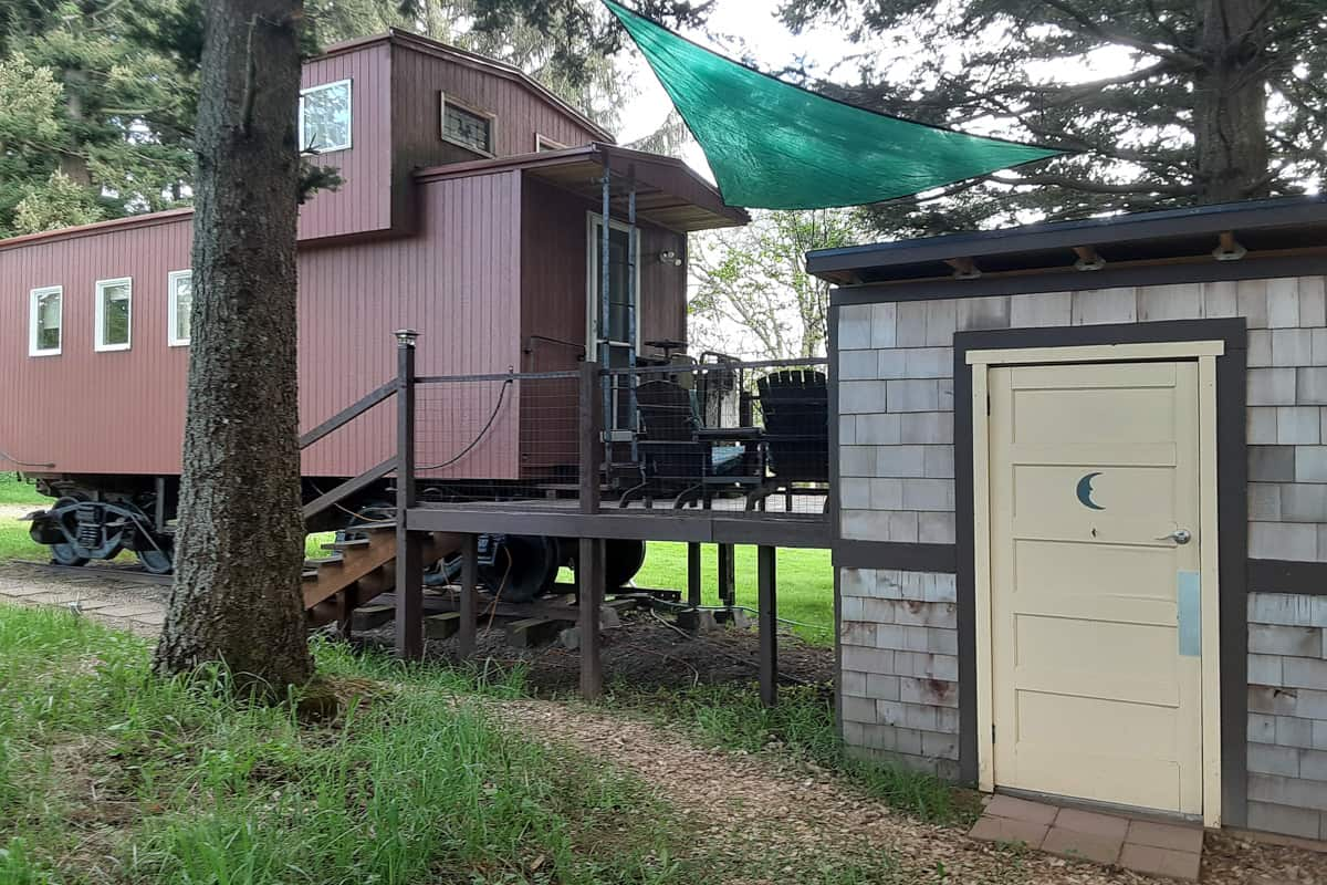 Little Red Caboose Glamping in Oregon