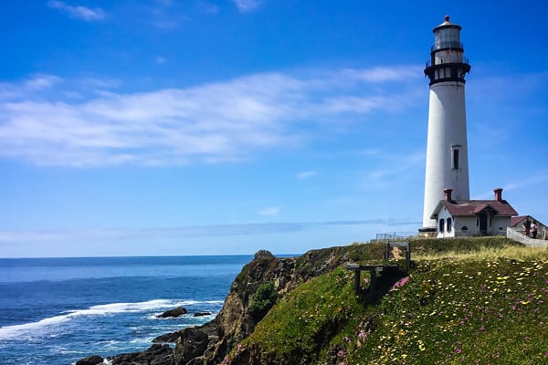 pigeon point lighthouse bay area view of the light house and ocean behind