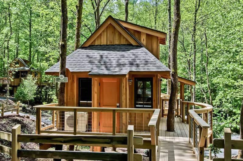The Elm Tennessee Treehouse Rental