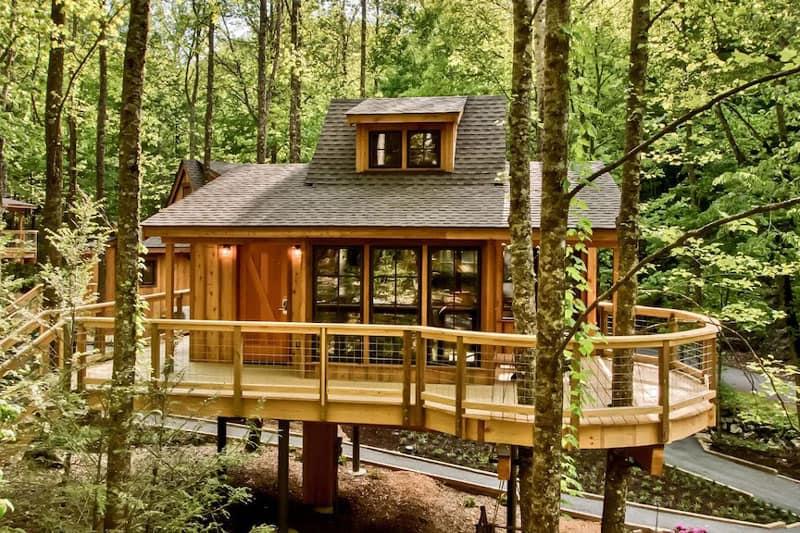 Magnolia Treehouse Rental Tennessee