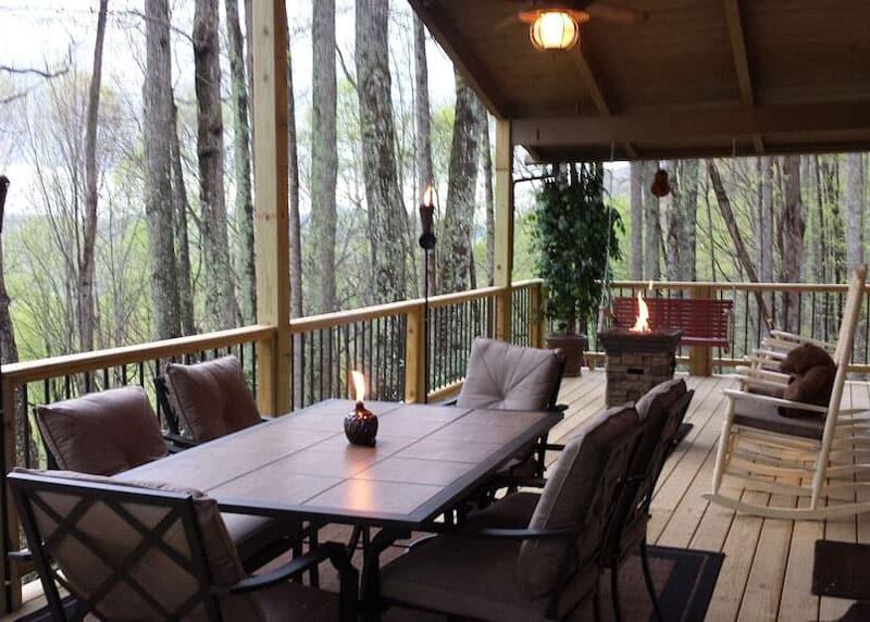 Giant Mountain Retreat Treehouse